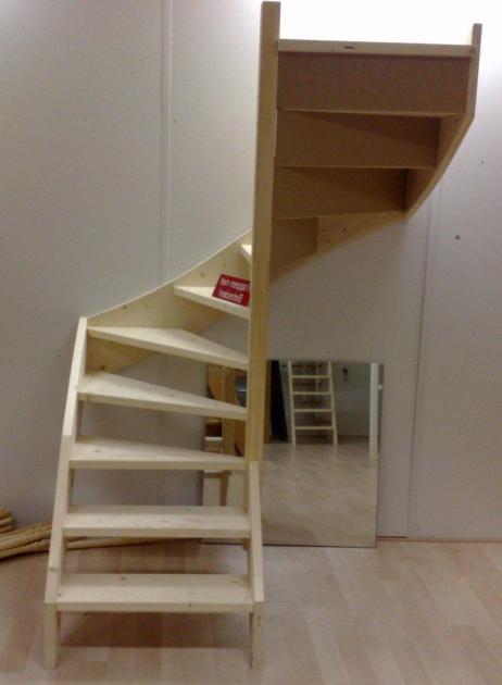 houten trappen uit voorraad